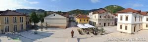 87b84-Andricgrad-trg-panorama-630A