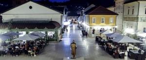 andricgrad-teslin-trg-noc